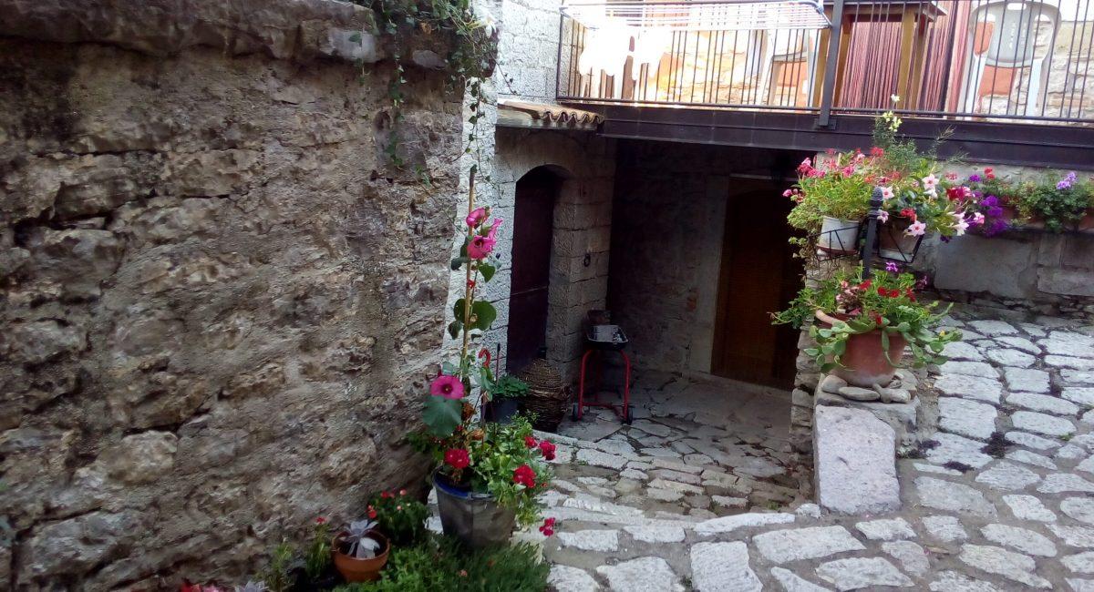 Borgo 8